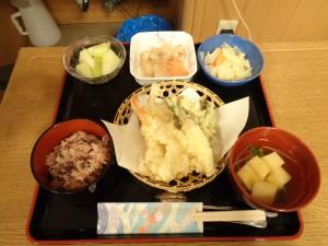 (月)昼食