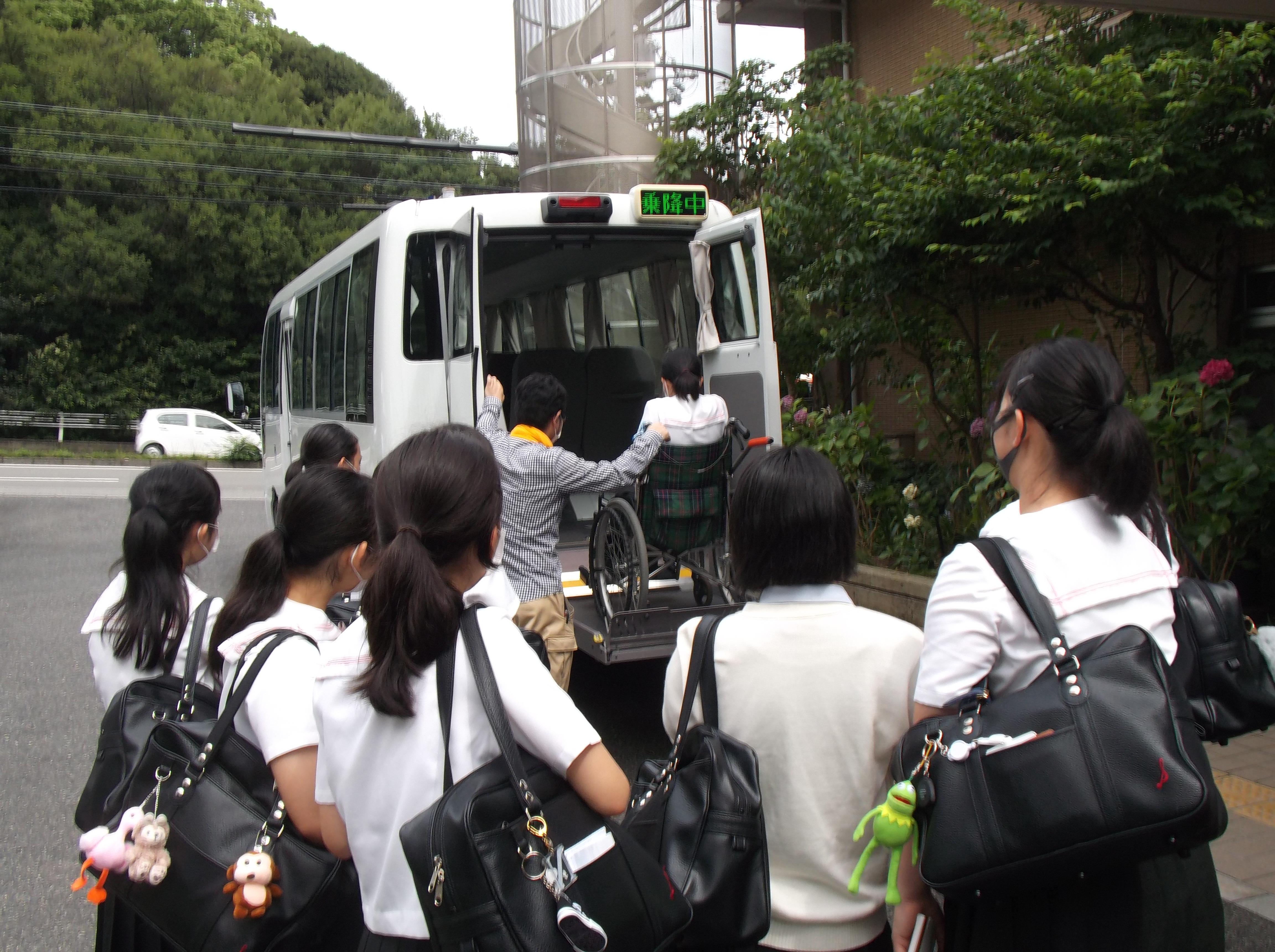 須磨ノ浦高等学校の生徒が見学に来られました。